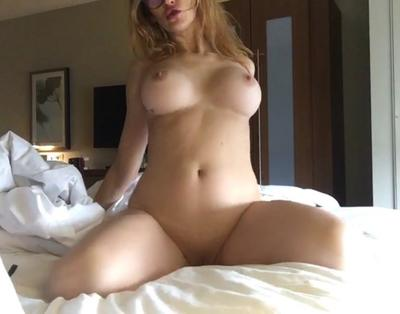 Leezette1x, 27 – Live Adult cam-girls and Sex Chat on Livex-cams