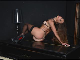A Live Chat Cute Gal Is What I Am, My ImLive Model Name Is JennyPisikHype! I'm 25 Years Of Age